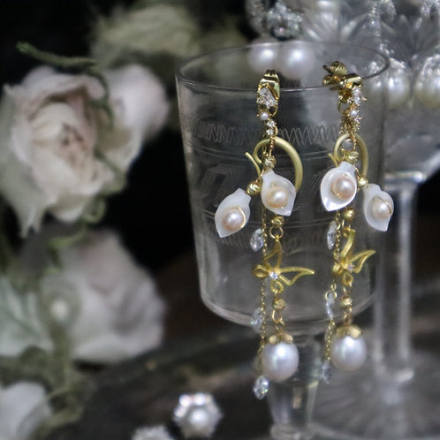 Butterflies Chasing Flowers Waterfall Pearl Earrings