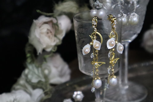 Butterflies Chasing Flowers Waterfall Pearl Earrings