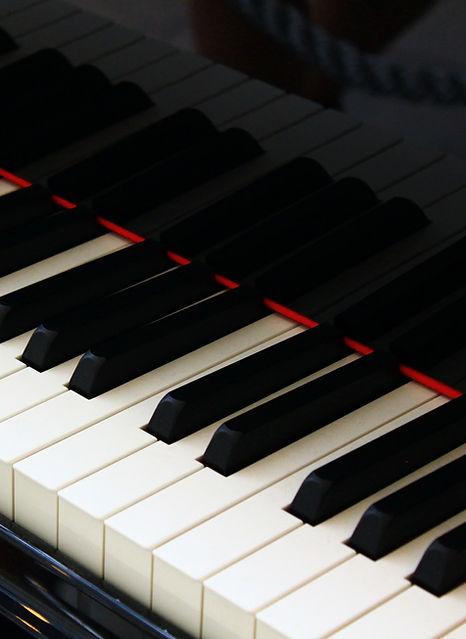 白壁音楽院_ピアノ1.jpg