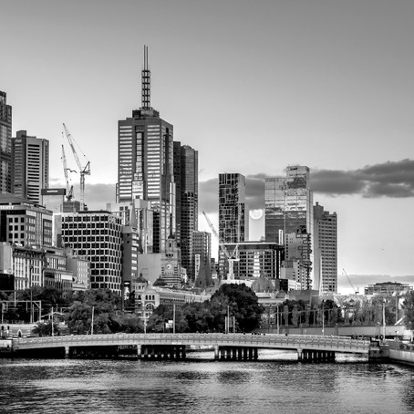 Melbourne by Hamdy Charmy