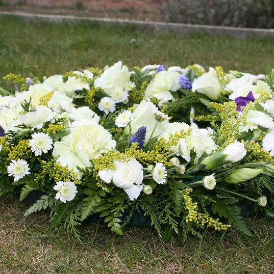 funeral-flowers-374183_1920.jpg