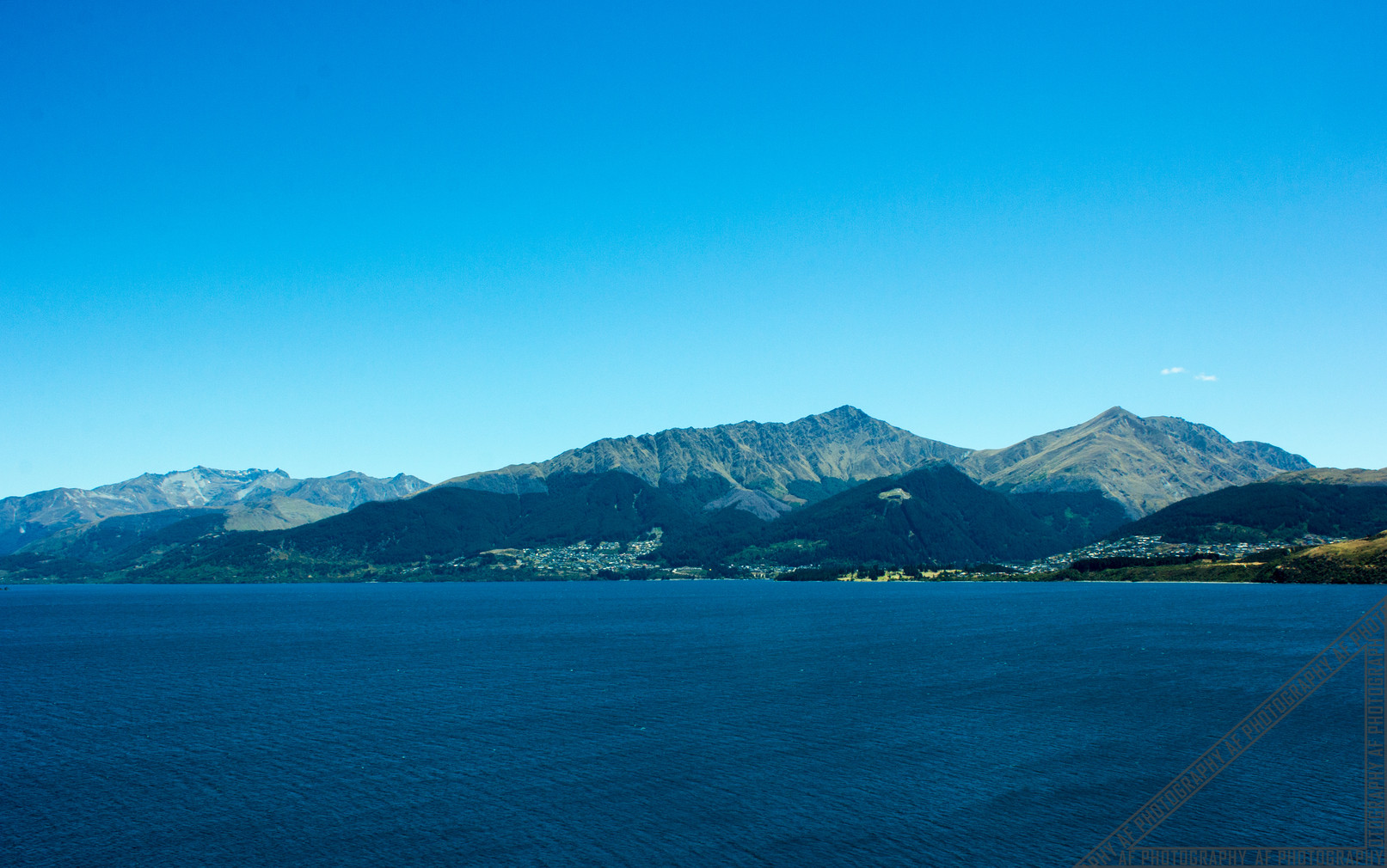 Queenstown New Zealand Lake Wakatipu NZ029