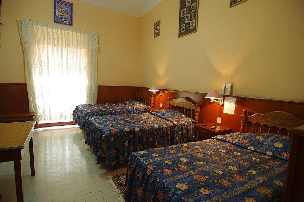 HOTEL SANTA MARTA 3*
