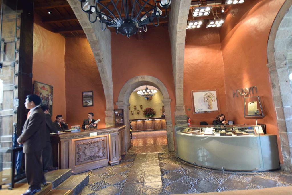 MONASTERIO CUSCO hotel peru viaggi 4x4 peruresponsabile-52.jpg