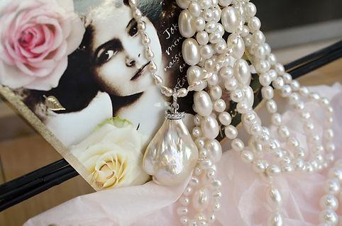 pearls_b_100.jpg