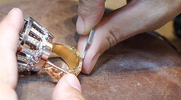 Exclusive Jewellery_engr5.jpg