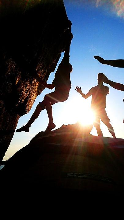 kiipeilyurheilijat-siluetti