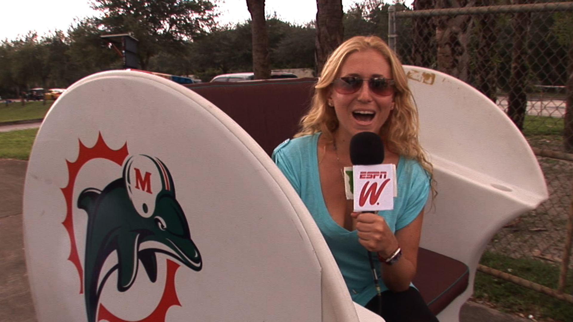 espnW GG2FF Dolphins