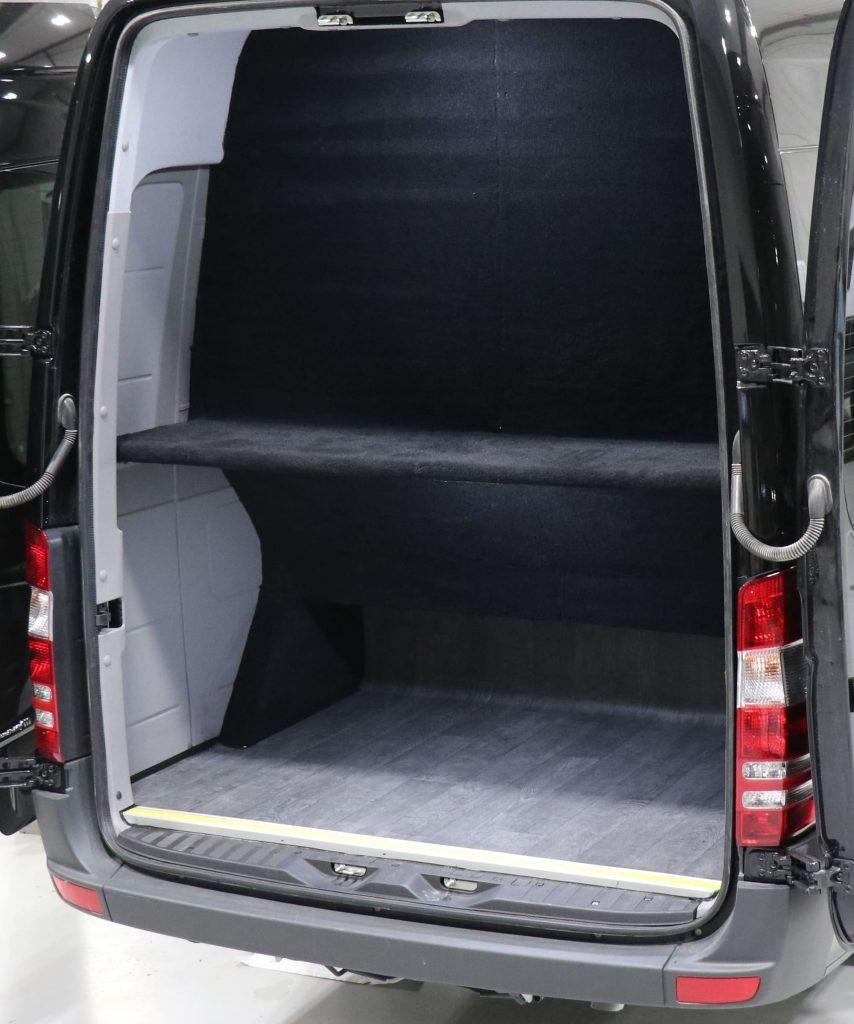 16 seat executive minibus luggage space