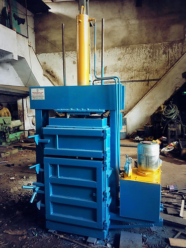 Vertical Compactor / Bailing Press - Pillar Type