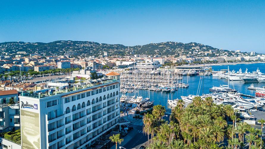 Radisson Blu 1835 Hotel & Thalasso - Vieux Port de Cannes