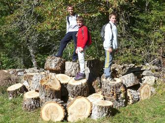 Jóvenes montañeros en Horcadas