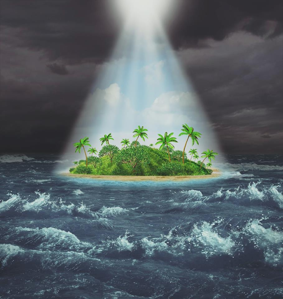 אי מואר בים סוער