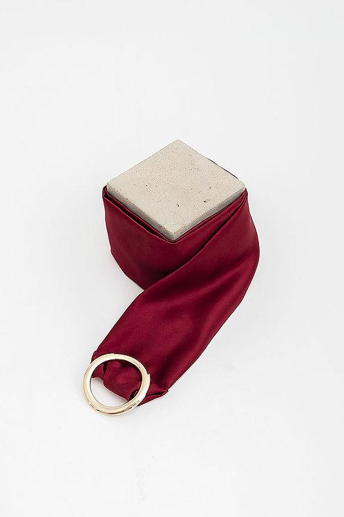 Cinturón de raso María · granate