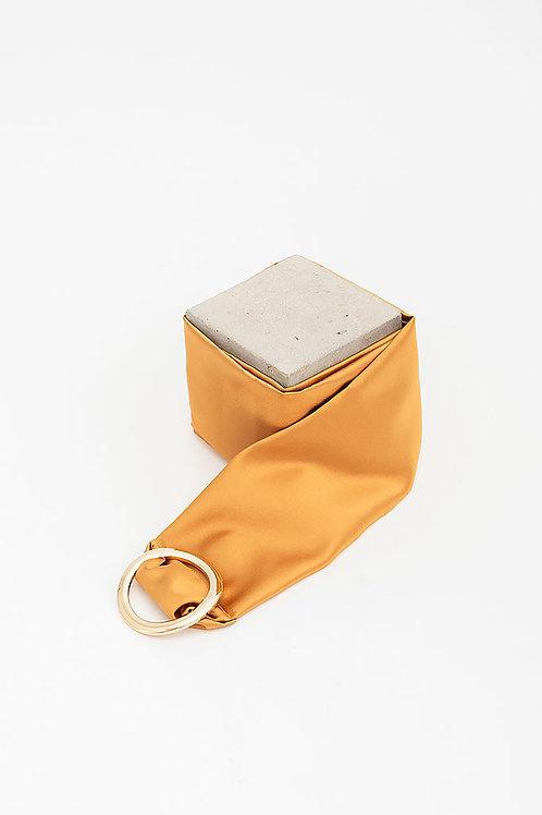 Cinturón de raso María · mostaza