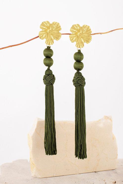 Pendientes Mariana · borlas especiales verde oliva