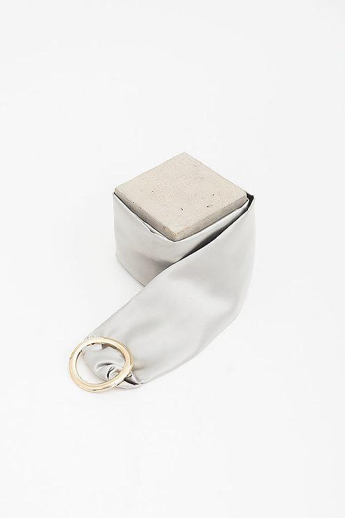 Cinturón de raso María · Gris Perla