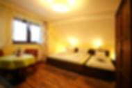 pokoje gościnne Ferie Zimowe - w Górkach Wielkich pokój gościnny żółty