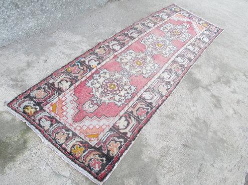 OUSHAK RUNNER, 316 x 100 cm ( 10.3 x 3.3 feet )