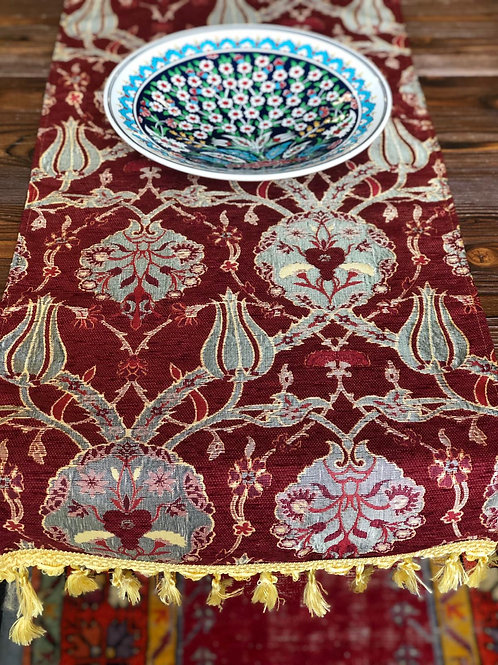 UNIQUE TABLE RUNNER, RED