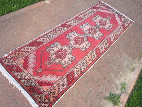 "TURKISH VINTAGE RUNNER, 103 x 37"", 264 x 95 cm"