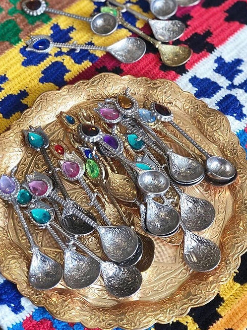 20X ASSORTED SPOON SET FOR SIX, A010