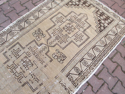 FADED OUSHAK RUG, 83 x 49 inches 212 x 124 cm