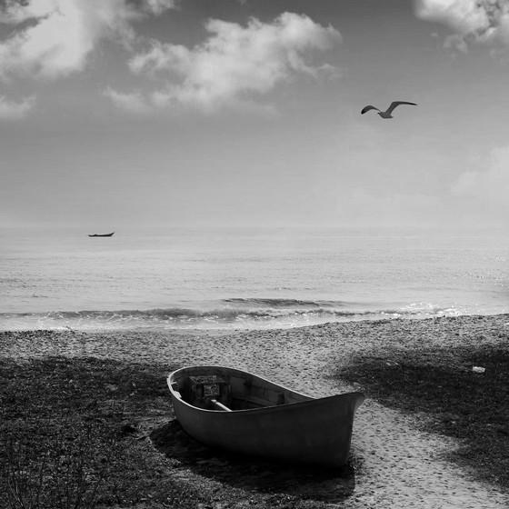 lonly-boat-2011.jpg