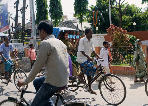 Global Immigration | Bangladeshi immigrants earn their living by bicycle rickshaw business. Their is no anthropology differences between Indian and Bangladeshi that's makes it harder to trace who is legal or illegal. During the Bangladesh Pakistan war millions fled to India as a refugees