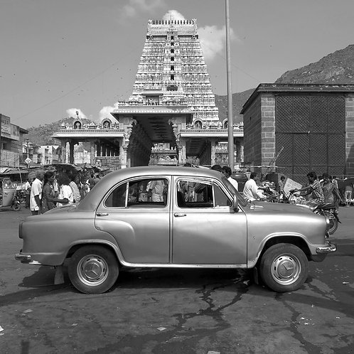 The car and a temple