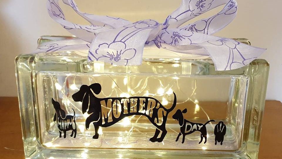 Dachshund Happy Mothers Day Light Block