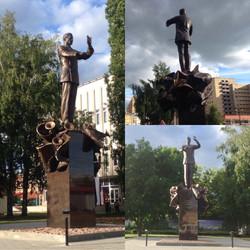 Памятник военному дирижеру Халилову