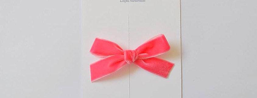 Laço em veludo // rosa pop