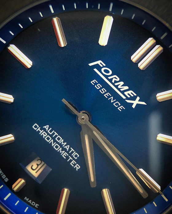 Exotic materials to make the perfect field watch - The Formex Essence Leggera