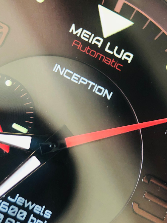Why different is better - Meia Lua Inception