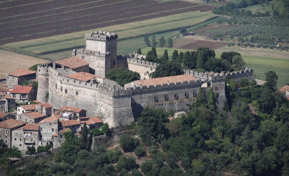 castello_di_sermoneta_danipelroma.jpg