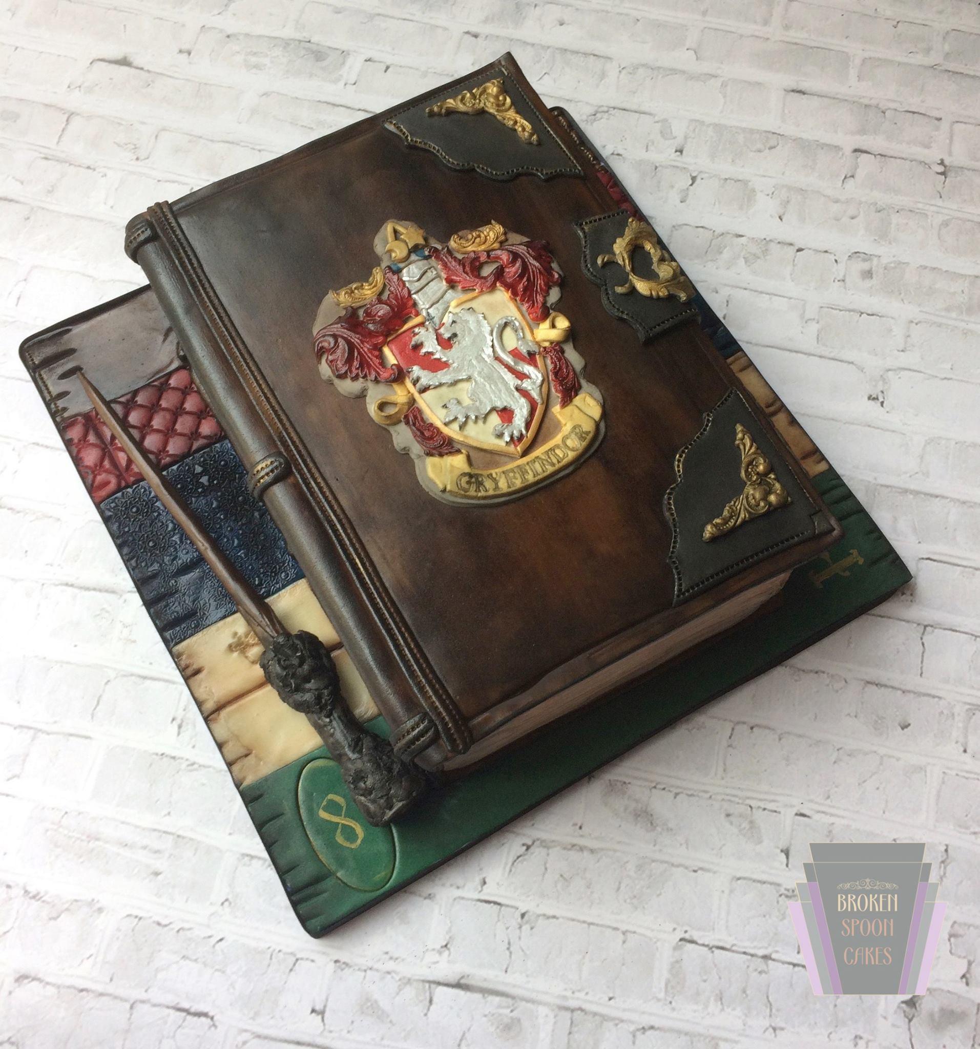 Gryffindor Diary Cake