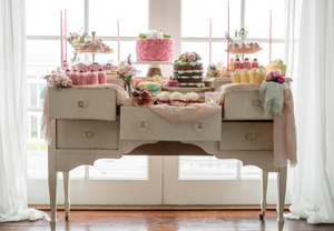 Hansel & Gretel Speciality Cakes | Dessert Table | Image by Just For Love Photography & Film