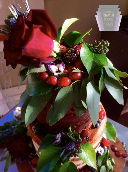 Broken Spoon Cakes | Winters Colour Wedding Cake