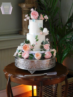 Glorious Summer Wedding Cake with Sugar Flowers-1