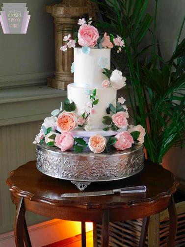 Glorious Summer Wedding Cake