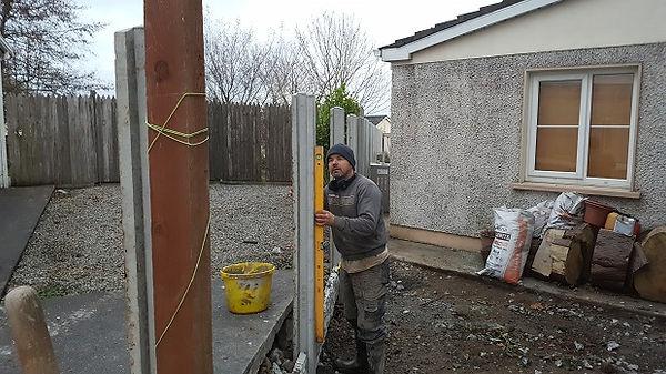 erecting a h post concrete fence