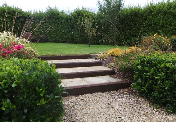 Oak-Sleepers-Garden-Steps