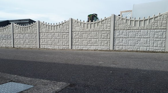 concrete-garden-fence