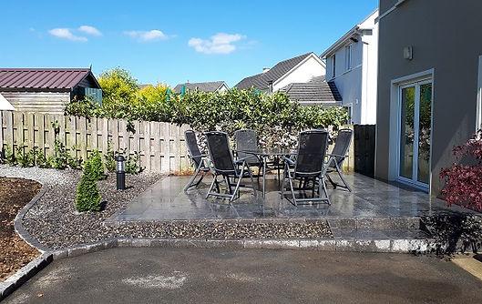 raised-limestone-patio-garden