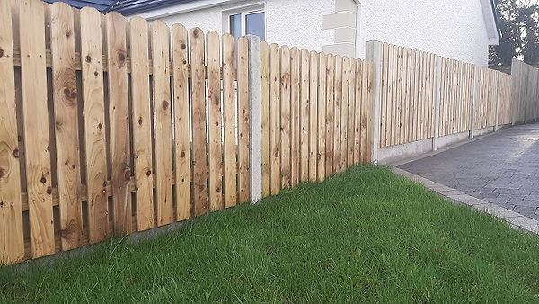 concrete-h post-timber-fence.jpg