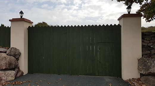 timber picket gate-fencing contractors