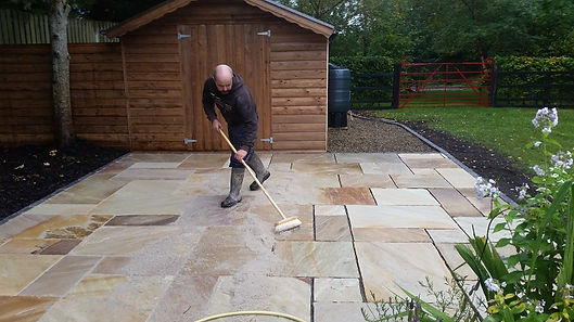 pointing-sandstone-patio