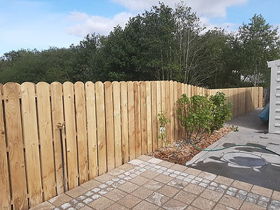 round - top- picket - fence - flannery -