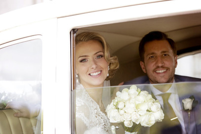 vintage-car-bride-and-groomlondon-weddin